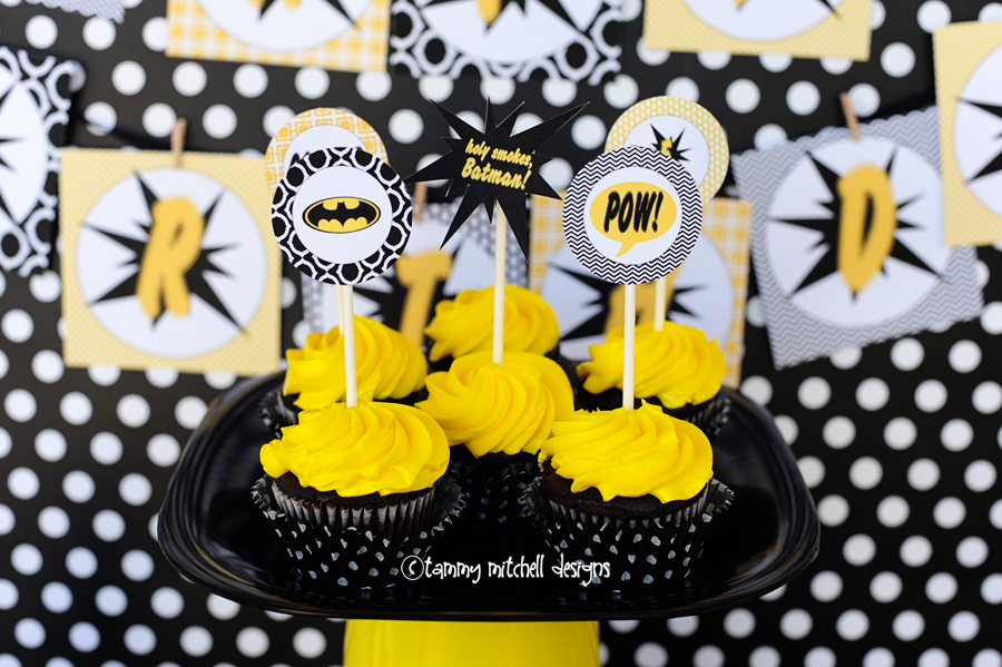 diy batman cupcakes