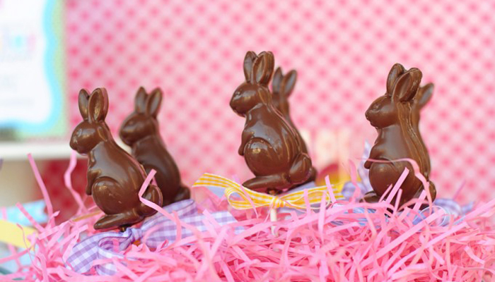 DIY EASTER PARTY FOOD : Chocolate Bunny Pops