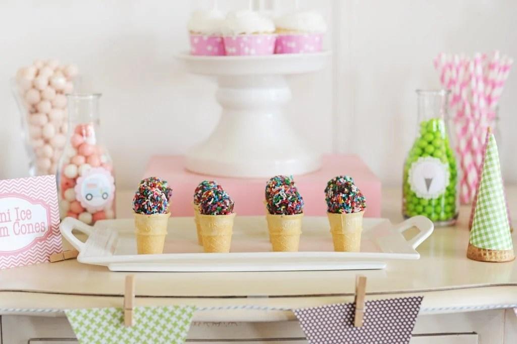 Ice cream sundae party ideas