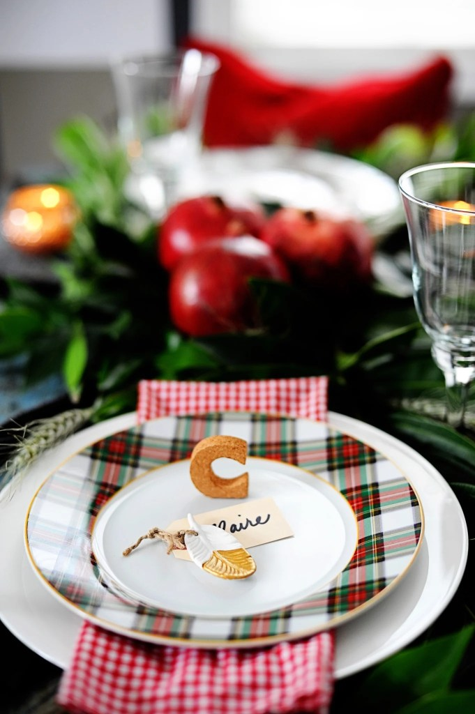 Great ideas for setting a christmas table