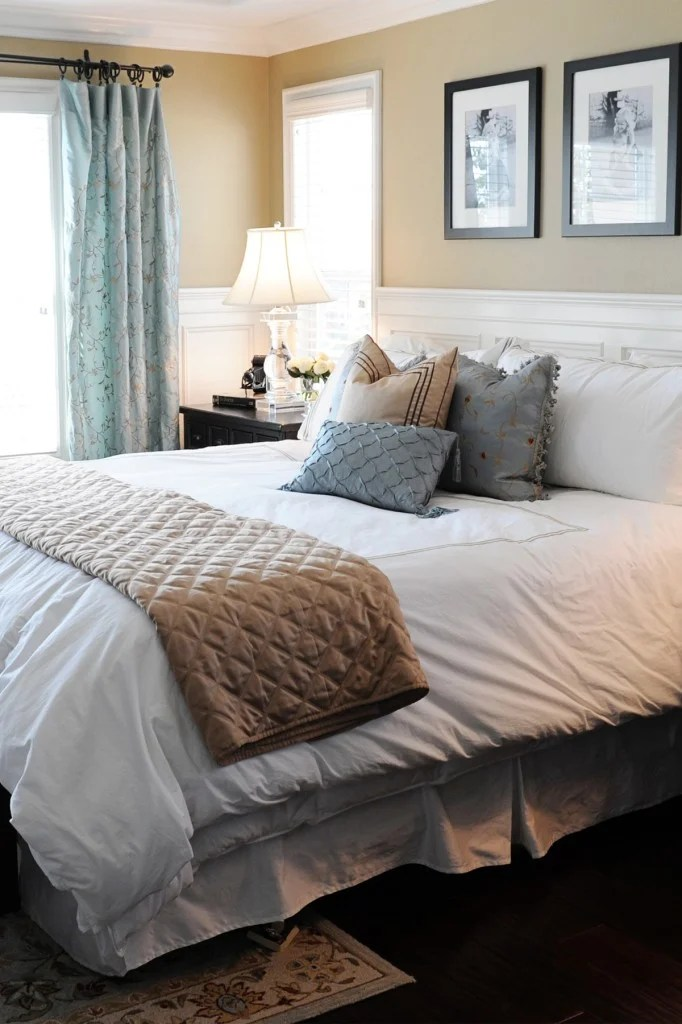 Easy Holiday Bedding and Bedroom Makeover