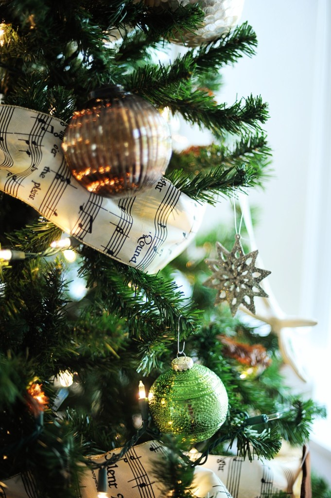 gree and gold christmas