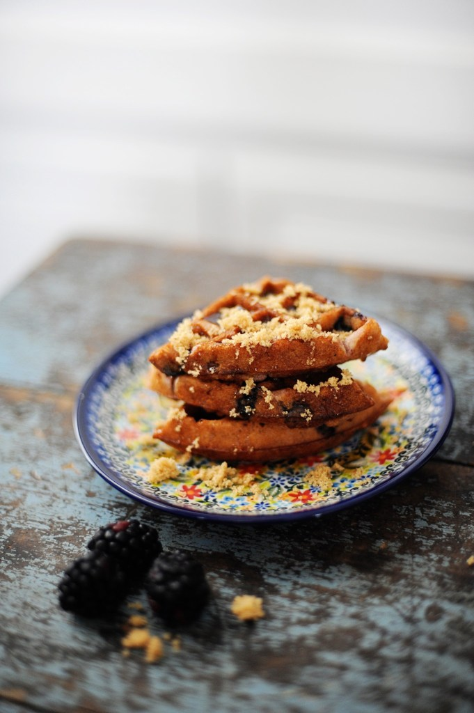 delicious blueberry crumble waffle recipe