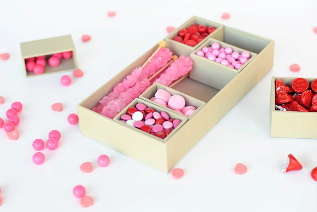 DIY Candy Valentine Gift Box
