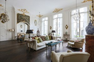 Stunning Parisian Apartment Design