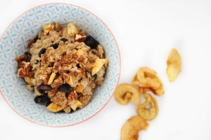 Hearty and Delicious Cherry Apple Cobbler Oatmeal Recipe