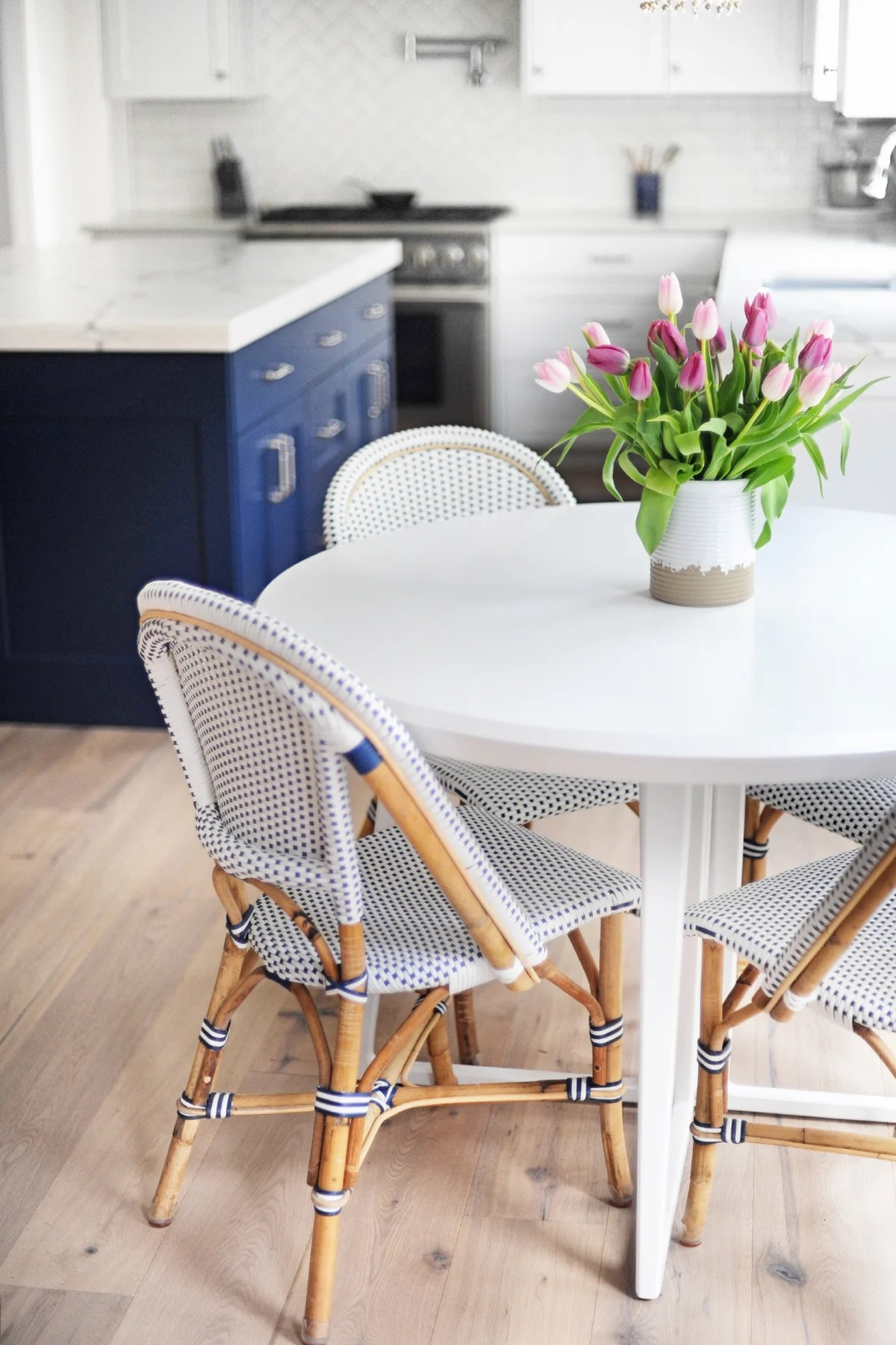 Kitchen table 4