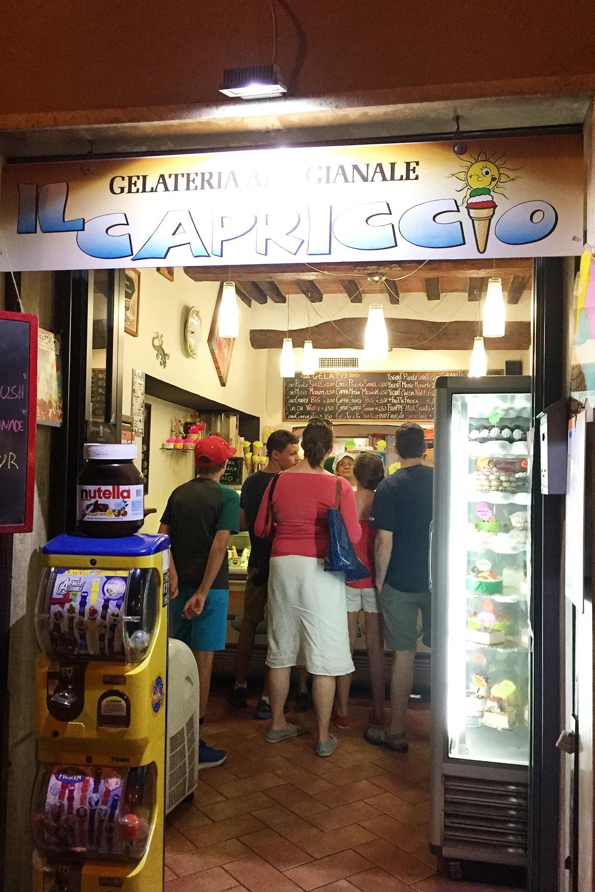 gelato in montepulciano