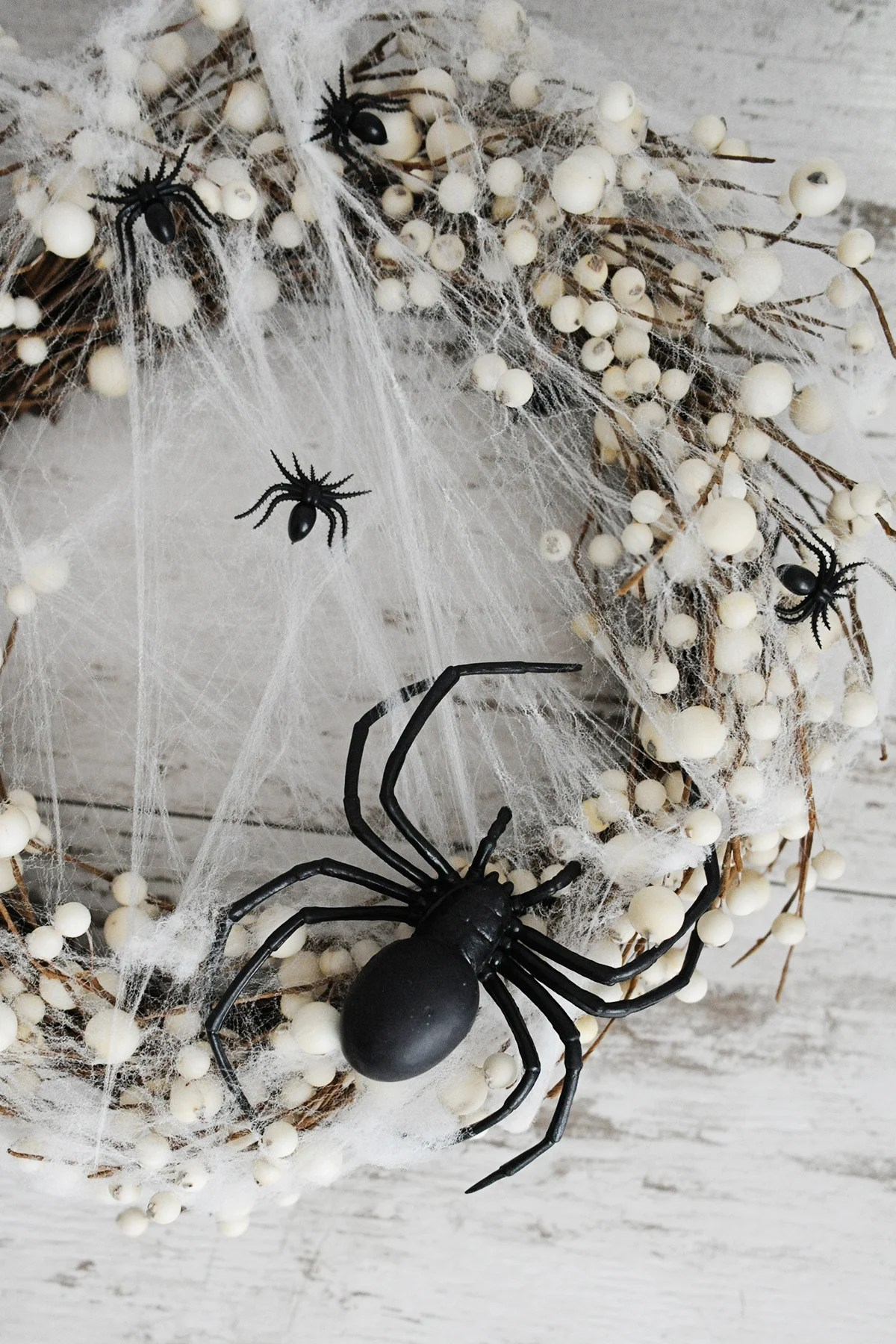 diy spider wreath step 4