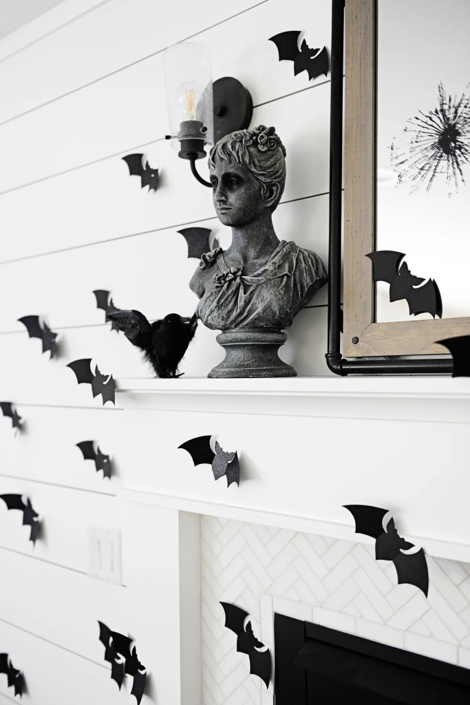 Halloween matel decor 1