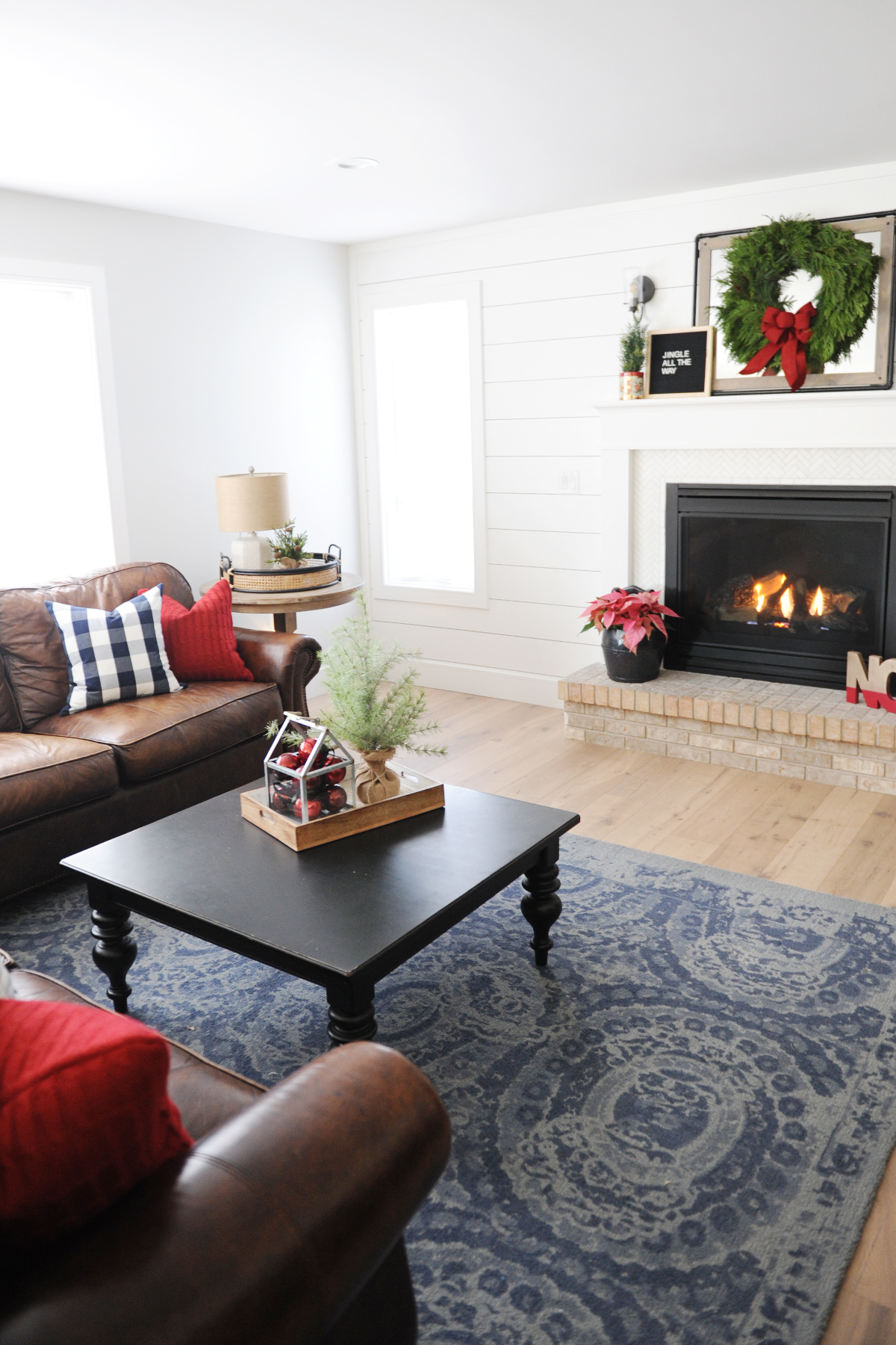 Christmas family room decorating ideas 7