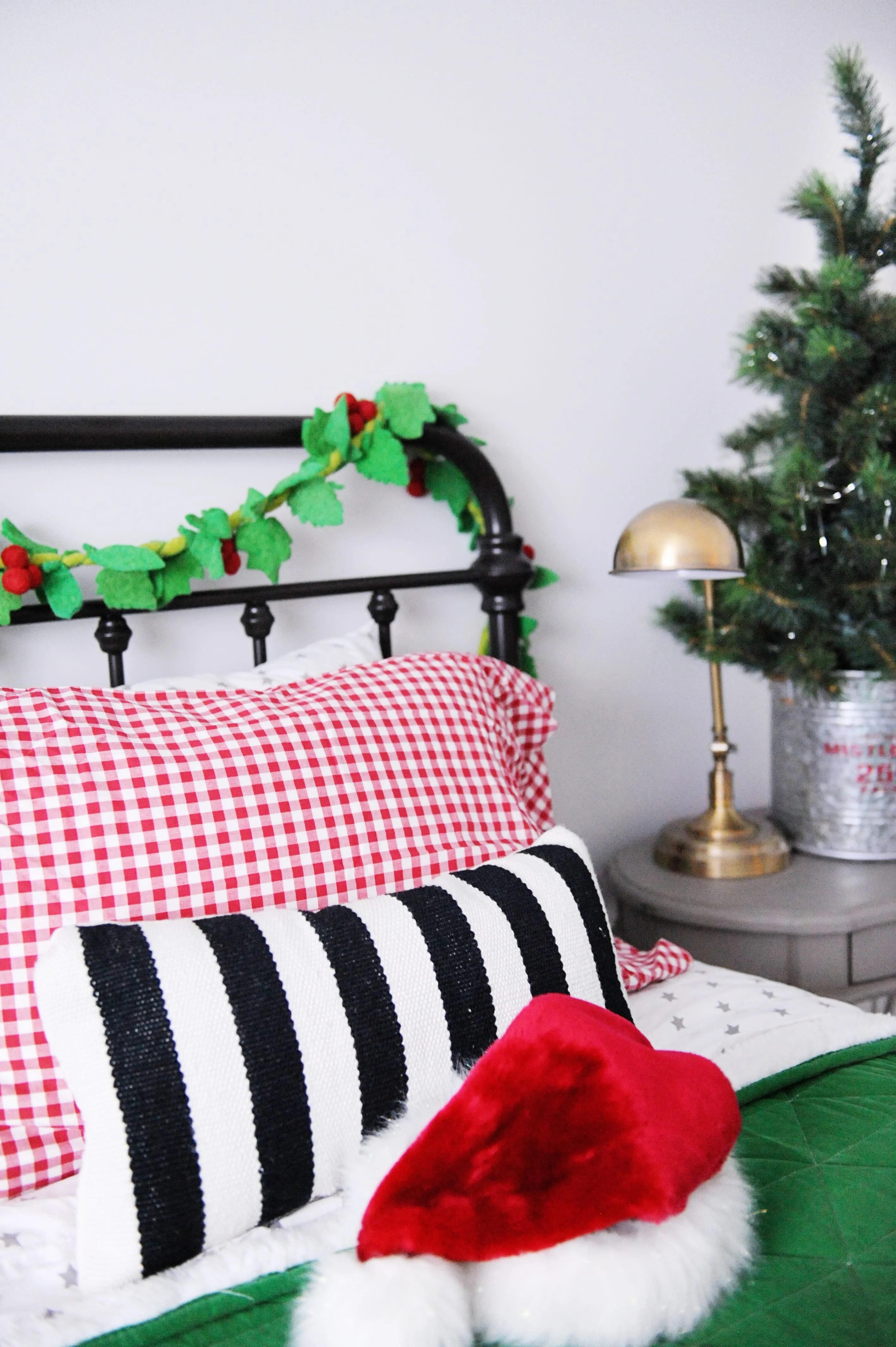 Christmas bedroom decorating ideas