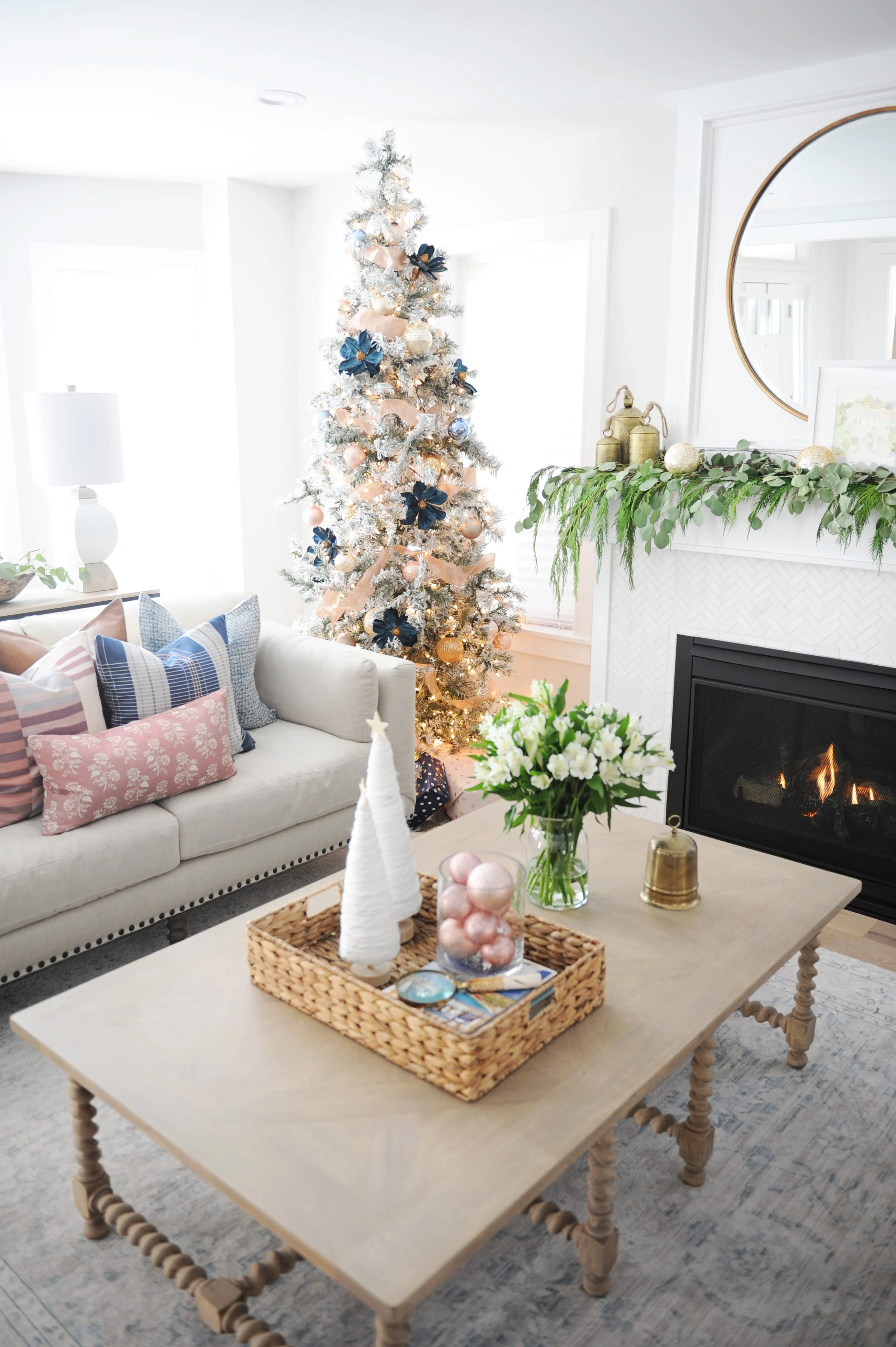 Christmas living room decorating ideas 6
