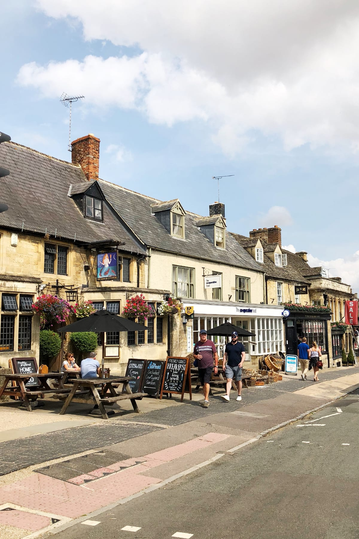 Burford cotswolds