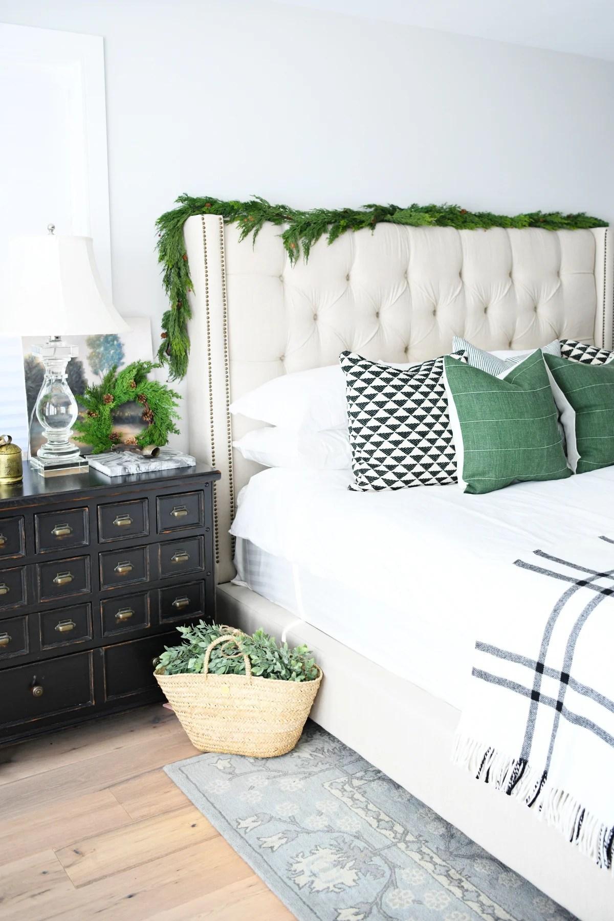Christmas bedroom decorating ideas 1
