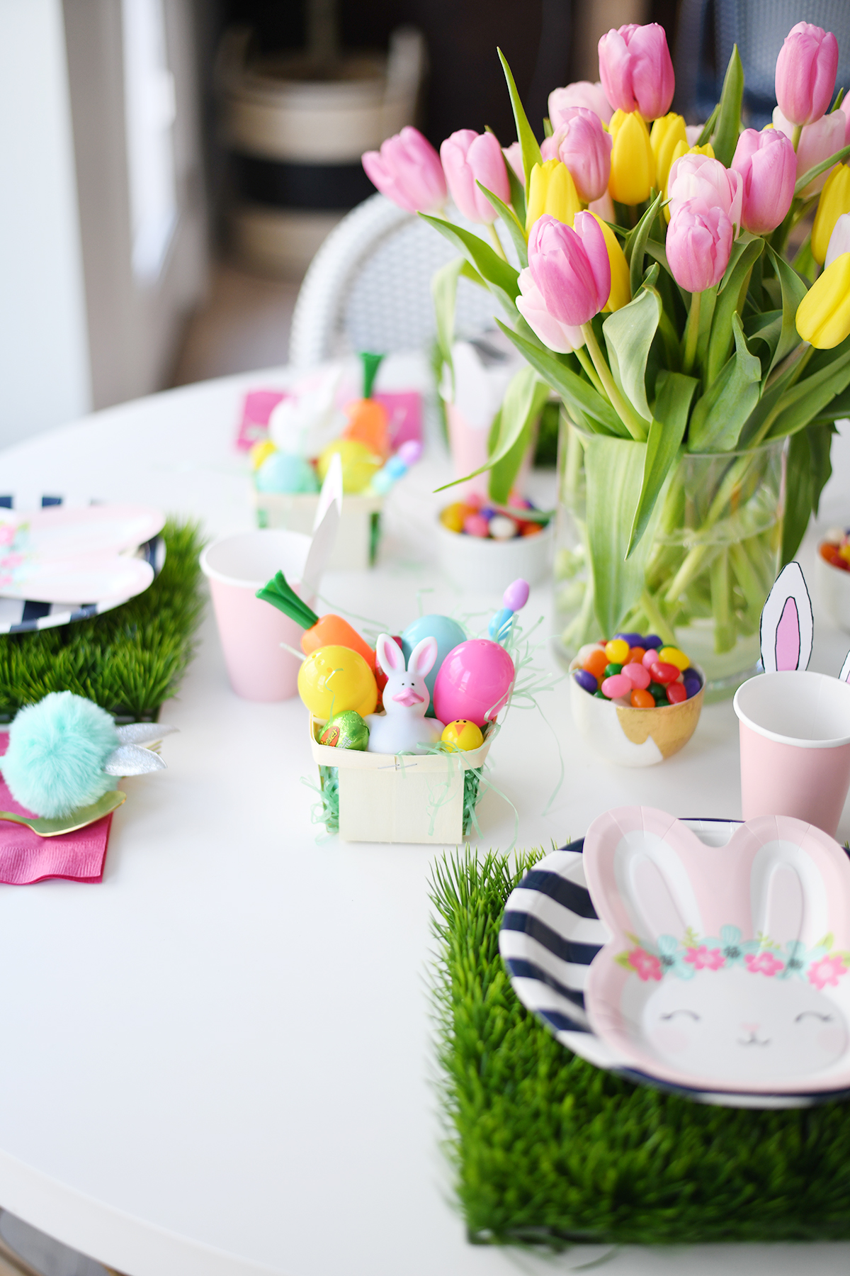 Kids easter table decorating 1