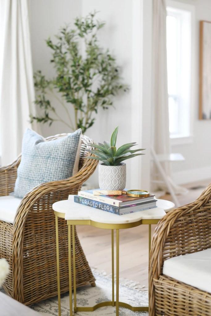 Spring living room decor 8