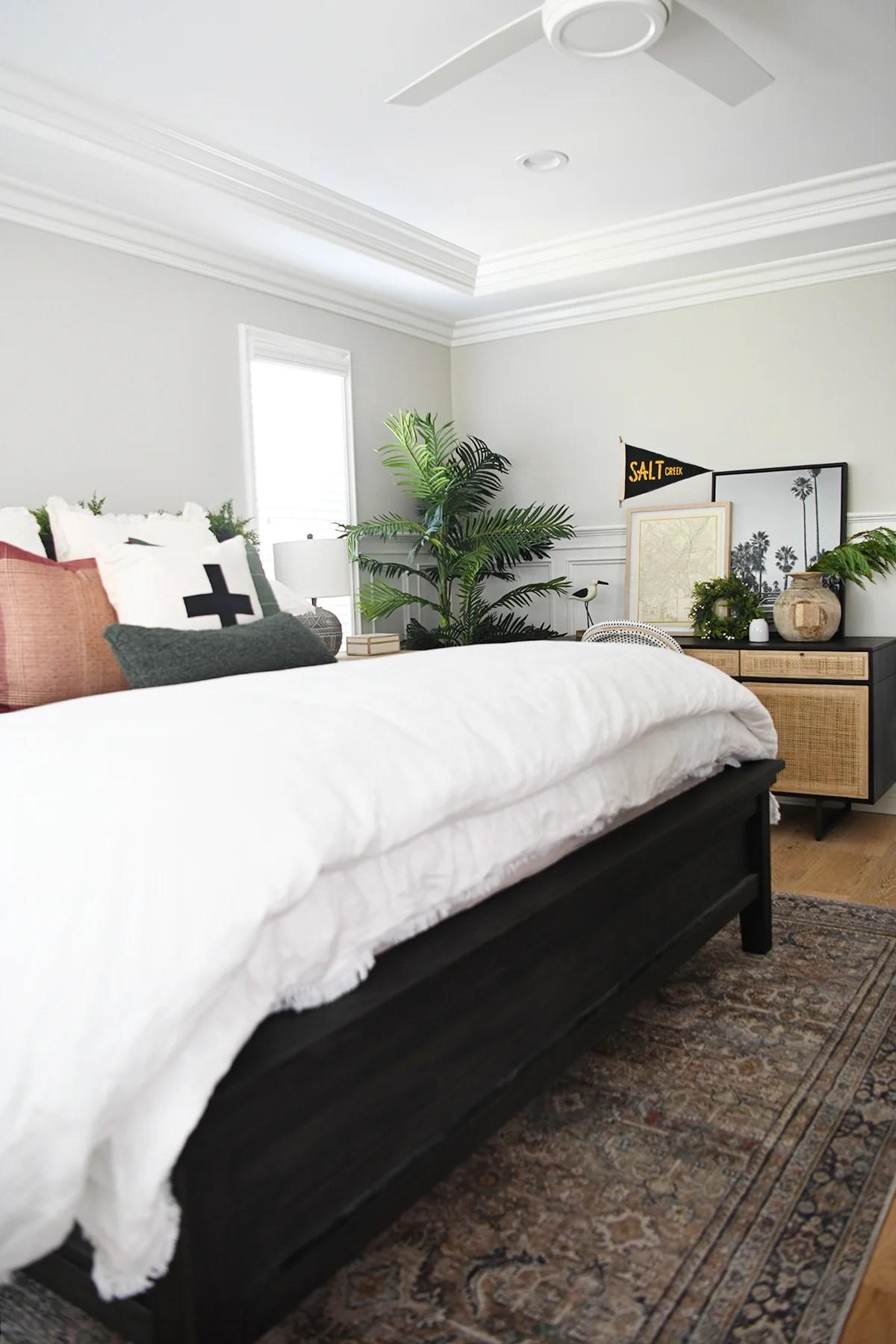 Christmas master bedroom decor ideas