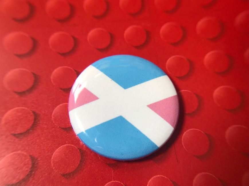 Trans Saltire Badge (25mm)