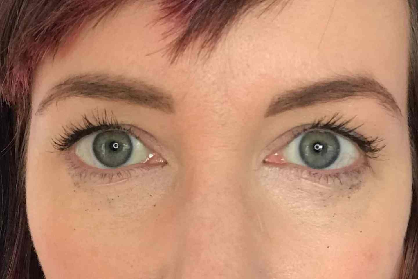 Cosm'etika Mascara after a day of wear