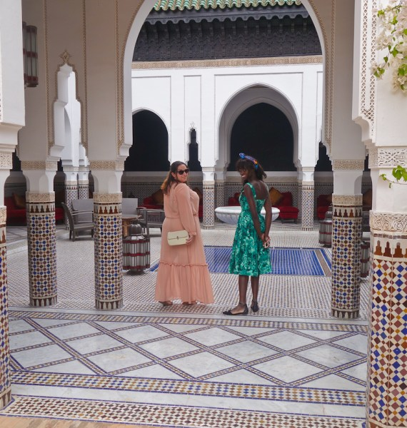 pinkschmink and Amah in the courtyard of the riad at La Mamounia hotel, Marrakech