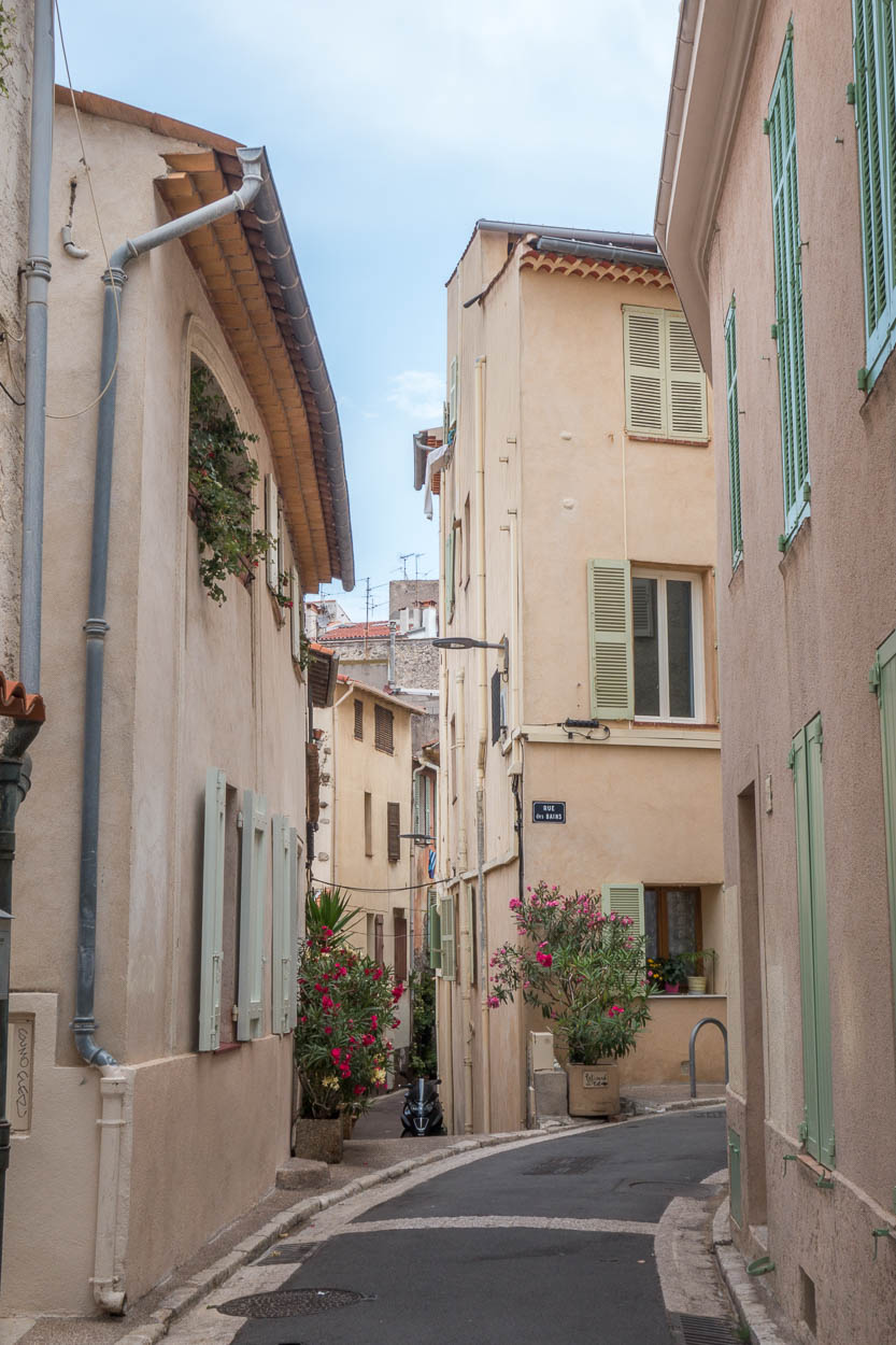 Pretty cobbled streets in Vieil Antibes
