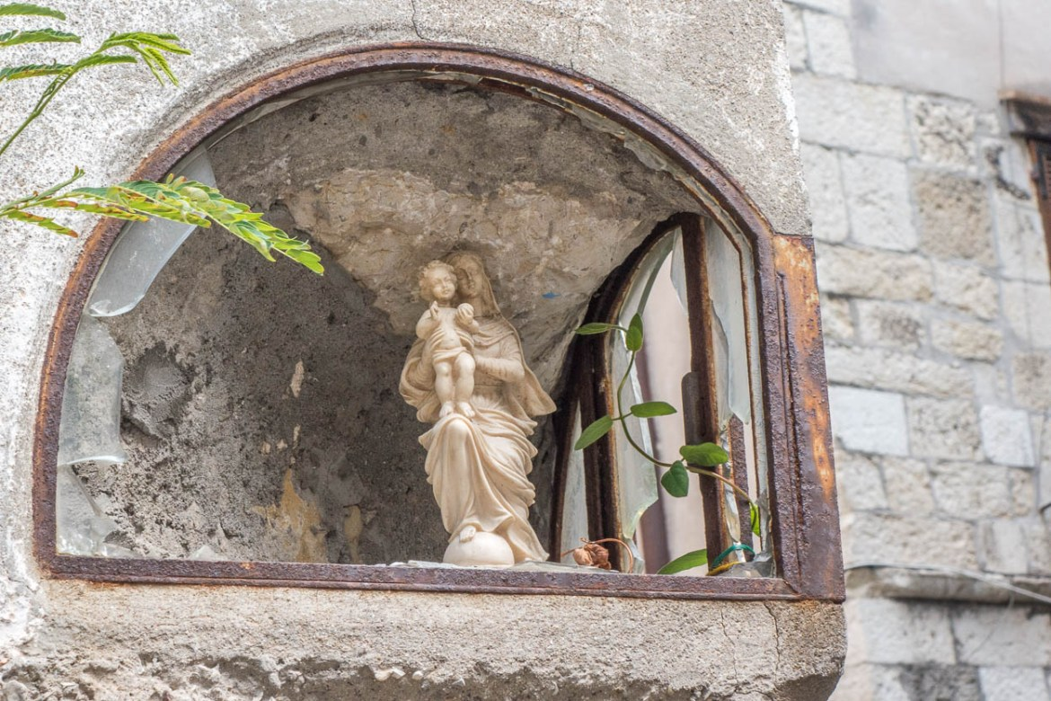 Madonna and child figure in a wall, Antibes