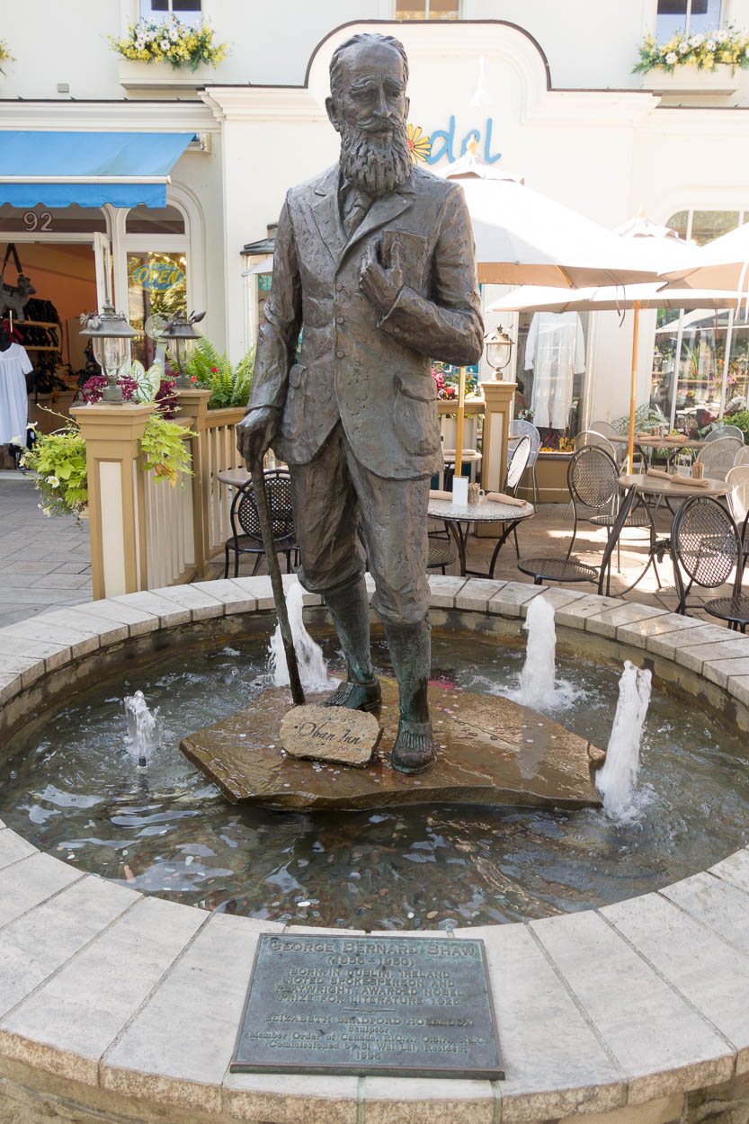 Sculpture of George Bernard Shaw, Niagara-on-the-Lake