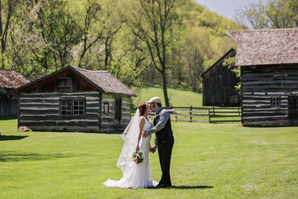NVETTE + VIC | OUTDOOR WEDDING AT NORSKEDALEN