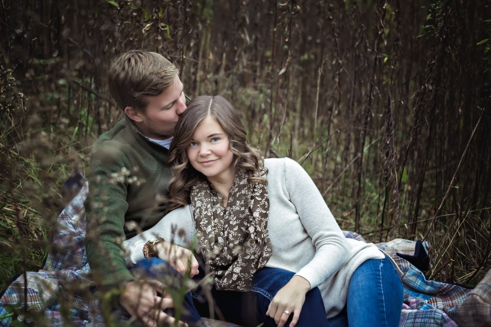 RUSTIC ENGAGEMENT SESSION AT CASSELL HOLLOW FARM