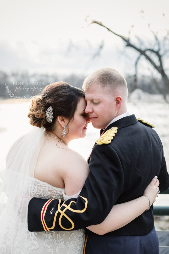 Elegant Red, White, and Blue Military Wedding at The Cargill Room in The Waterfront Restaurant La Crosse, WI | © Pink Spruce Photography | www.pinksprucephotography.com