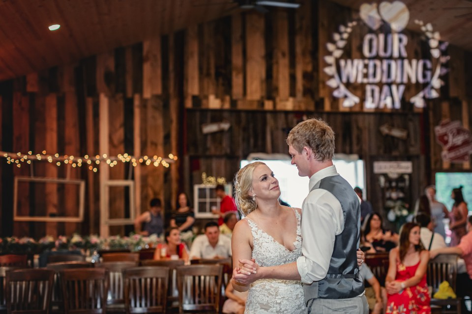 Barn Again Lodge Wedding · Mondovi, Wisconsin
