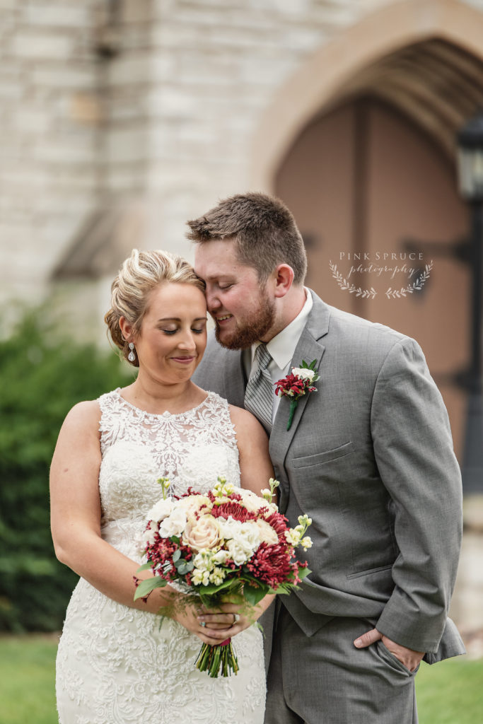 Good Shepard Lutheran Church Wedding in Viroqua, Wisconsin | Photography by Pink Spruce Photography
