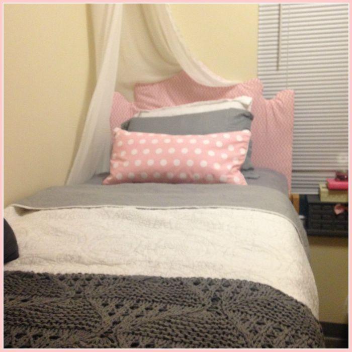 DIY dorm room decor throw pillows