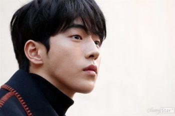 【韓國娛樂】南柱赫出席菲律賓活動,慘遭粉絲上下其手~ 粉絲會發聲明代所有粉絲謝罪。
