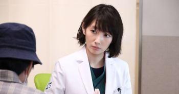 """【Night Doctor】""""便利診"""" 現象引出日本社會問題~ """"正常""""定義因人而異,以理解與包容掙脫""""常識""""枷鎖   第2話"""
