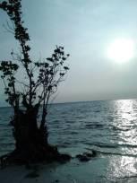 Bermain Sunset Tanjung Barat Tidung