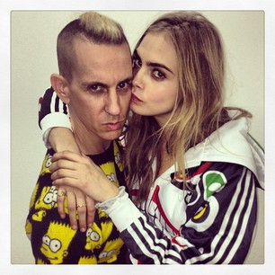 """Cara Delevingne """"Can't wait for the Jeremy Scott show to start"""""""