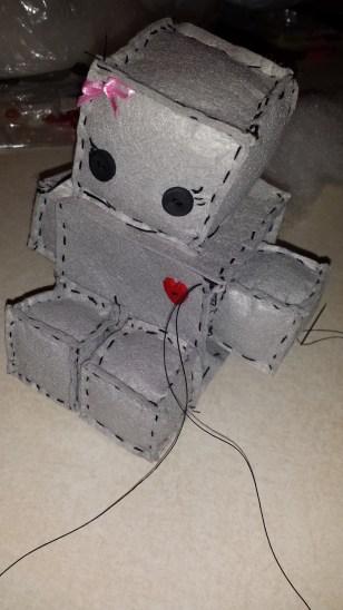 Felt Robot: pinmethis.com