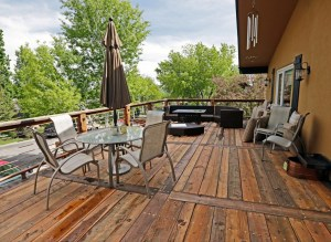 Choosing the Best Contractor For Outdoor Projects