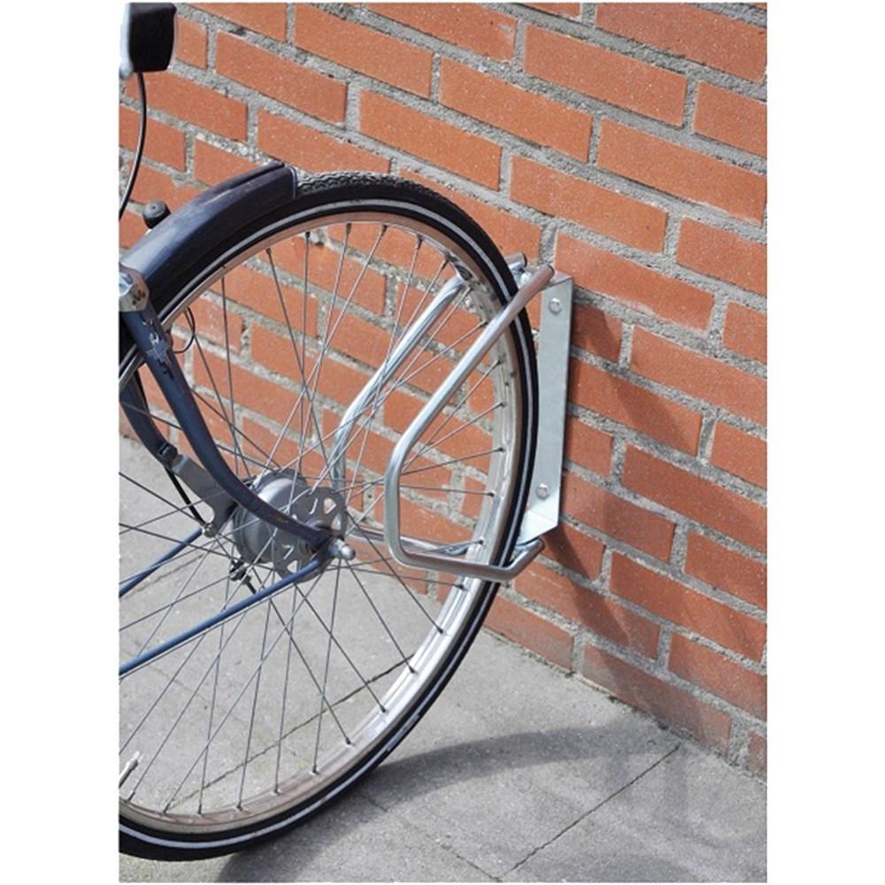 Fiksuese biciklete ne mure 2