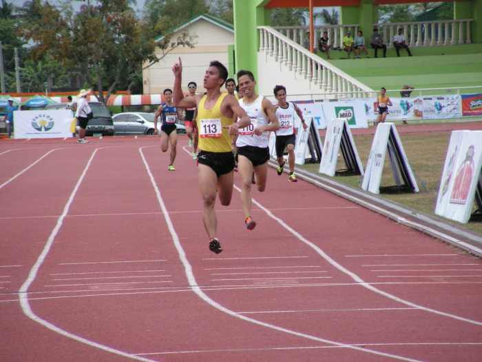 Guarte uses veteran moves to outwit the rookie Wagdos in the 1500 Mens - Airnel T. Abarra