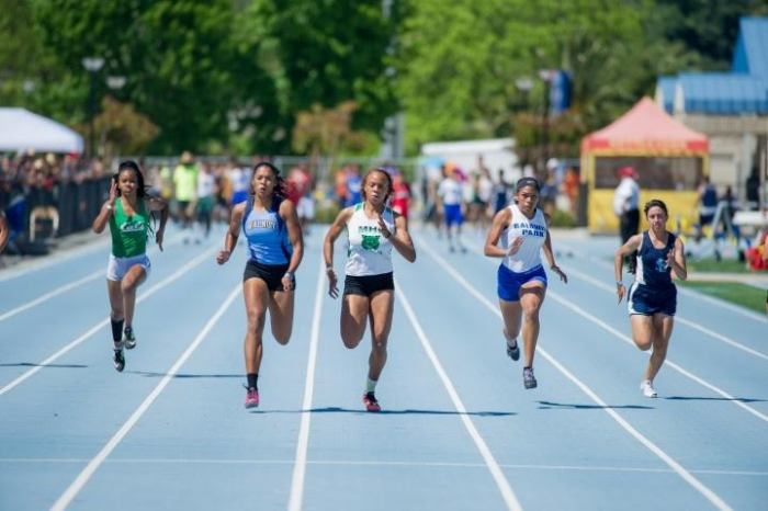 Kyla Richardson wins her heat