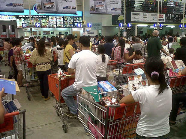 grocery-long-line-philippines