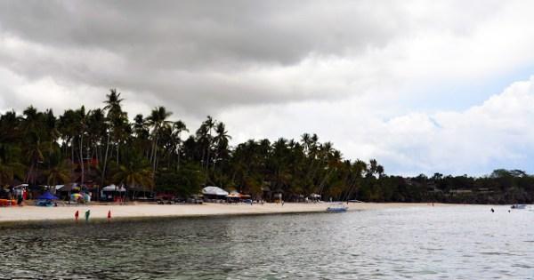 alona beach high tide