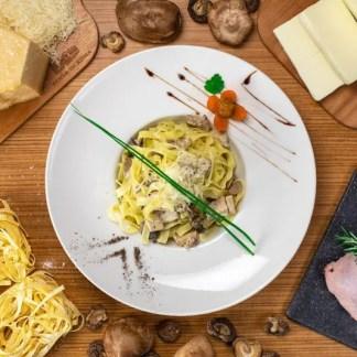 tagiliatelli-pollo-e-funghi-pinsa-di-roma