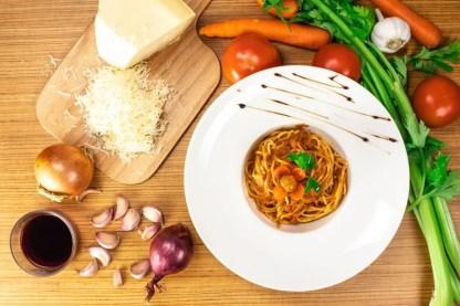 pasta-bolognese-pinsa-di-roma