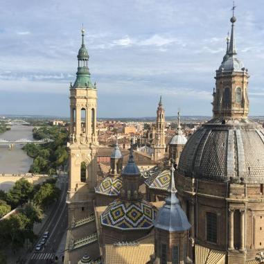 Vue e haut de la Basilic del Pilar