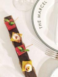 Pièces apéritives - raviole croustillante, tielle sétoise, poulpe snacké, pastèque infusée pesto et thym, foccacia maison