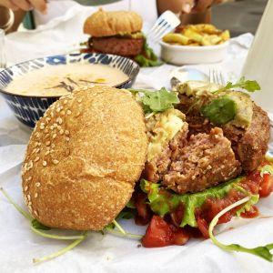 restaurant PEACEFOOD CAFE // BEYOND MEAT sur le grill vegan de Montpellier